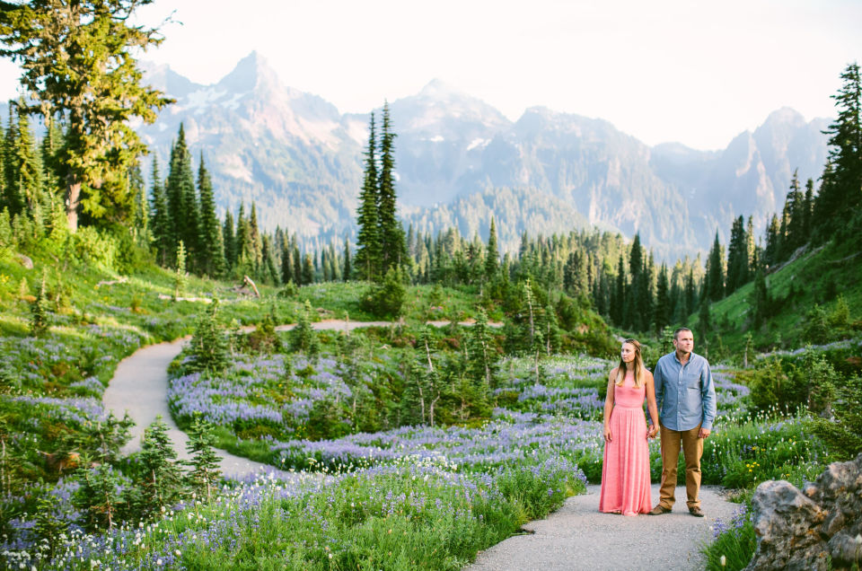 Mt Rainier couple photographer